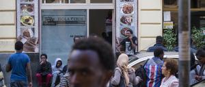"""""""Siamo già troppi"""". Gli africani di Milano firmano contro i nuovi arrivi"""