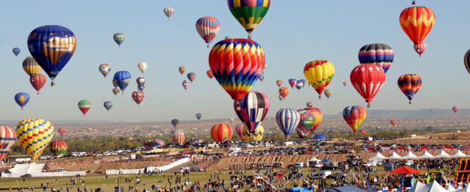Tragedia al Balloon Festival, precipita una mongolfiera: morti due giovani