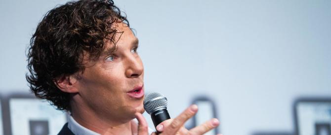 """Eccone un altro: da Sherlock Holmes il """"vaffa"""" a chi dice stop ai migranti"""