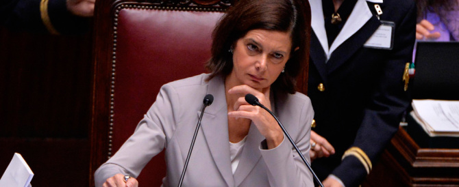 Le super ferie della Boldrini: 40 giorni di stop alla Camera. Ed è polemica