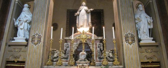 Altra bomba gay in Vaticano: travolti nello scandalo i carmelitani scalzi