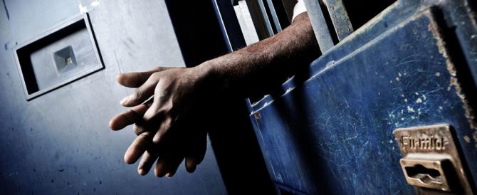 Evade dai domiciliari perché non sopporta più la moglie: arrestato
