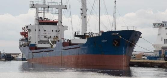 Droga, un cargo pieno di hascisc nel porto di Cagliari: arrestati dieci siriani
