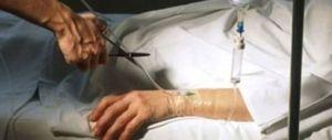 Eutanasia, a 87 anni aiutò la moglie a morire con un cocktail letale: è polemica