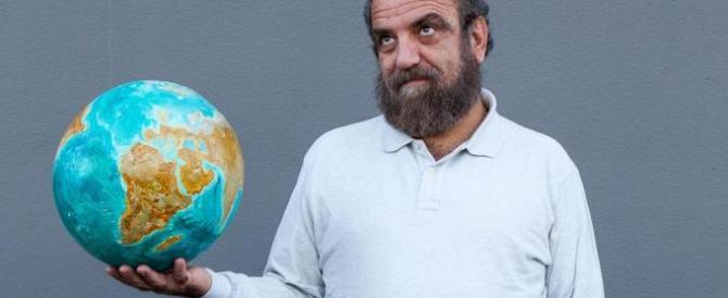 Grillo fa scuola: anche i Verdi si affidano a un comico per la leadership