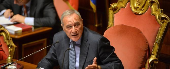Senato, la maggioranza trema. Le opposizioni al Colle: «Grasso è fazioso»