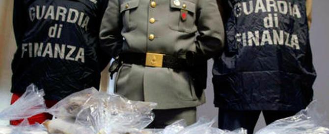 Droga, smantellata banda di albanesi: sequestrati 470 chili di marijuana