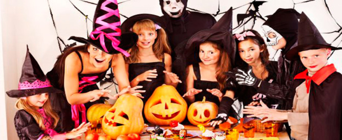 Halloween, maxi sequestro di articoli contraffatti in un megastore cinese