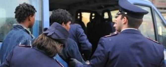 Immigrati, la Corte Ue: «Sì al carcere per chi torna dopo l'espulsione»