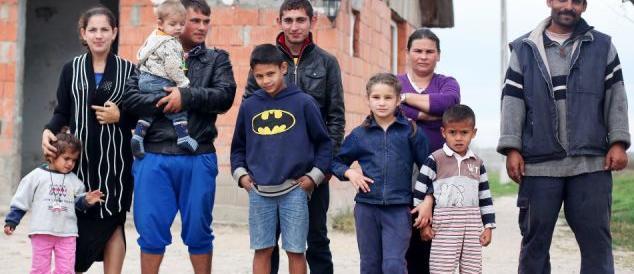 """""""Belli, buoni e pochi"""": il dossier sugli immigrati che piace alla Boldrini"""