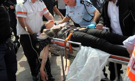 Non si ferma l'Intifada dei coltelli. Netanyahu: ci vogliono distruggere