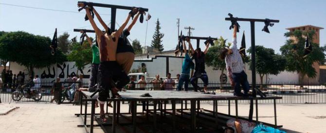 L'Isis inventa altre esecuzioni: uomini crocifissi e fatti esplodere. Ma non solo