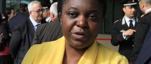 Cittadinanza facile, brinda la Kyenge: «Gli immigrati saranno tutti italiani»