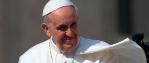 Malattia del Papa, il caso si sgonfia. Fukushima: «Mai curato Francesco»