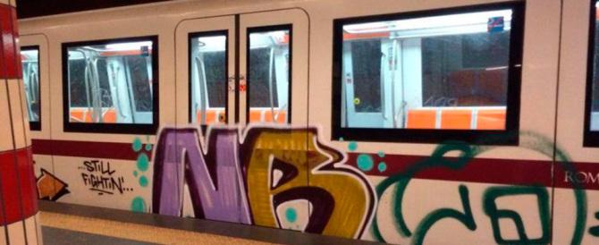 Presi i writers della metro di Roma: si erano alleati con giovani immigrati