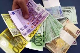 """Precario """"Paperone"""" da 3 mln di euro percepiva l'assegno di disoccupazione"""