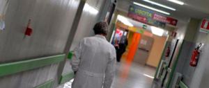 Tragedia a Mestre, uccide la moglie e si spara nella hall dell'ospedale