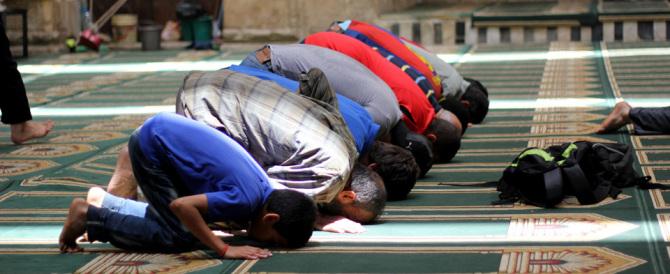 Espulso un altro imam, siamo a quota 12. Ma chi li denunciava era razzista…