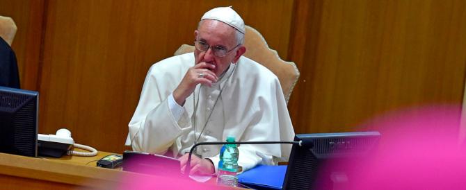 Il Papa apre i lavori del Sinodo: «No ai compromessi, non siamo in Parlamento»