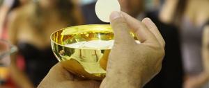 Sacramenti ai divorziati, il gesto spontaneo di un bimbo commuove il Sinodo