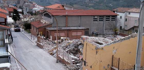 San Giuliano di Puglia: a 13 anni dal sisma neanche un euro per i bambini morti