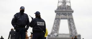 Allarme a Parigi: trovata autobomba vicino Notre Dame. Fermata una coppia nota ai Servizi