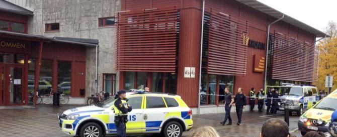 Svezia, uomo armato di spada attacca una scuola. Due vittime