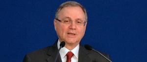 Visco comincia la campagna elettorale: «Uscita dall'euro? Un disastro»