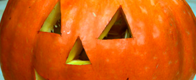 Halloween, la festa senza radici col simbolo della zucca. Luminosa e vuota