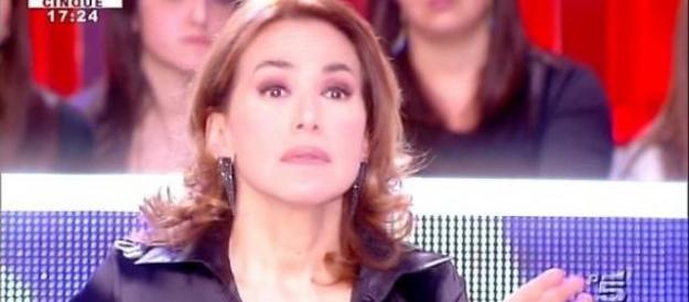 Rivolta contro Barbara D'Urso: «La sua non è informazione» (VIDEO)