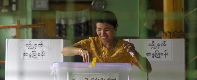 Birmania, vince San Suu Ky: il partito di governo ammette la sconfitta