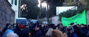 Blitz in un centro d'accoglienza a Roma: 23 i migranti senza documenti