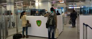 Pakistano beffa Alfano: volava con passaporto falso fra Italia e Francia