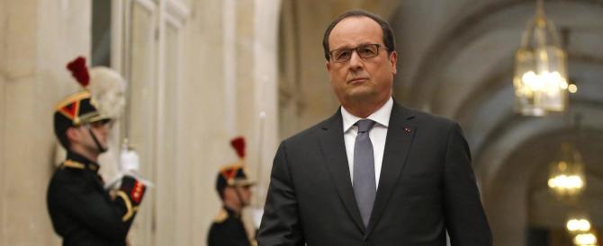 Hollande alza la voce: «Per battere l'Isis, cambieremo la Costituzione»