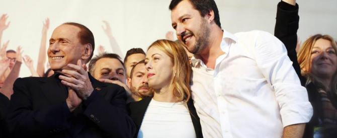 """""""Vinceremo"""": Berlusconi show a Bologna. Attacchi durissimi a Grillo e Renzi"""