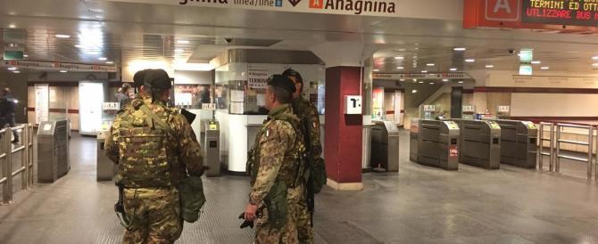Psicosi da attentato: nuovo falso allarme a Roma. Evacuata la metro A
