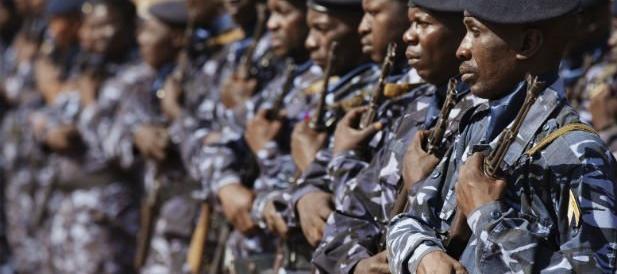 Assalto armato a un hotel in Mali, presi 170 ostaggi: è ancora l'Isis?