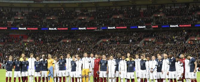 Notte da brividi a Wembley: tutto lo stadio canta la Marsigliese (VIDEO)
