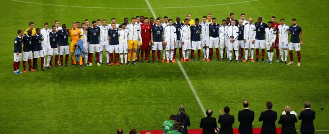 Marsigliese e tricolore francese negli stadi: anche la serie A si mobilita