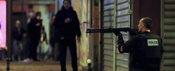 Parigi, un ventenne francese e forse una donna fra i terroristi della strage