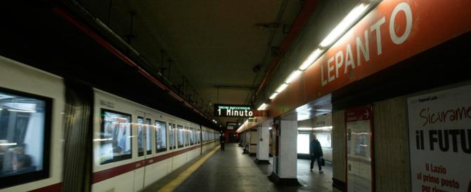 Allarmi bomba, è psicosi. Chiuse le metro di Roma e Milano