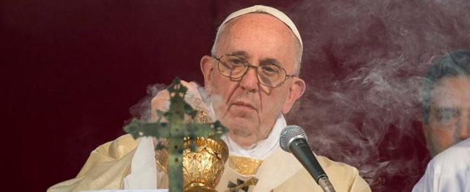 """Spie in Vaticano, Papa Francesco evoca i """"serpenti velenosi"""": «Ma non molliamo…»"""