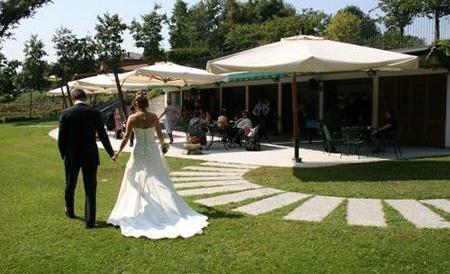 Furti nelle auto durante i matrimoni: intera famiglia rom in manette