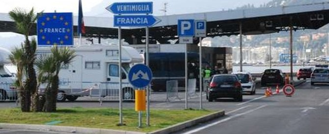 Caccia all'auto dei terroristi nel Nord Italia, la polizia: «Allarme rientrato»
