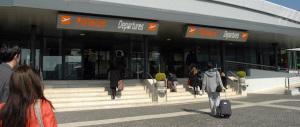 Passaporti falsi: arrestati due giovani siriani all'aereoporto di Ciampino