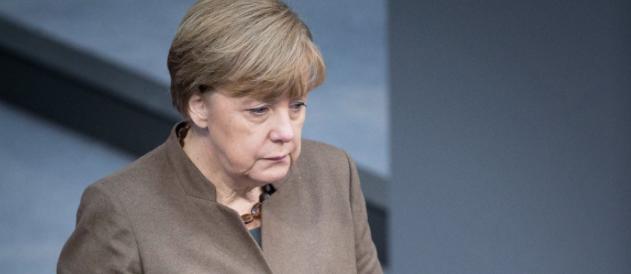 Migranti, la Merkel se ne accorge solo ora: «Accordi di Dublino da rivedere»