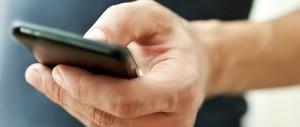 Bolzano, il consigliere usa il telefonino in aula? Rischia 50 euro di multa