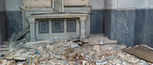 La Libia minaccia l'Italia. Profanato il cimitero italiano di Tripoli: ecco le foto choc