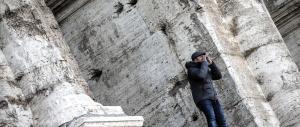 """Tolleranza zero a Roma: """"salta-fila"""" minaccia il suicidio dal Colosseo"""