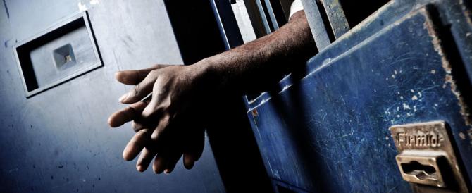 In Italia 55mila detenuti: il 17% non ha alcuna condanna e 1 su 3 è straniero